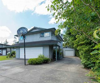 "Photo 2: 19864 48A Avenue in Langley: Langley City House for sale in ""Mason Heights Area"" : MLS®# R2086596"