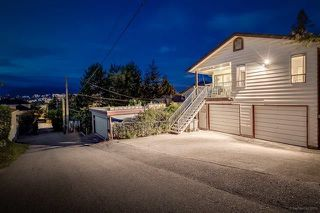 Photo 2: 2881 ALMA Street in Vancouver: Point Grey House for sale (Vancouver West)  : MLS®# R2145835