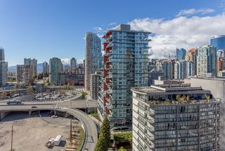 """Photo 6: 2003 1372 SEYMOUR Street in Vancouver: Downtown VW Condo for sale in """"THE MARK"""" (Vancouver West)  : MLS®# R2159400"""