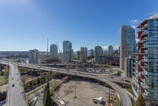 """Photo 5: 2003 1372 SEYMOUR Street in Vancouver: Downtown VW Condo for sale in """"THE MARK"""" (Vancouver West)  : MLS®# R2159400"""