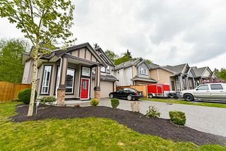 Photo 2: 14298 64A Avenue in Surrey: East Newton House for sale : MLS®# R2161876