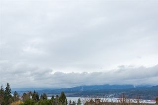 "Photo 2: 7052 SIERRA Drive in Burnaby: Westridge BN House for sale in ""WESTRIDGE"" (Burnaby North)  : MLS®# R2171540"