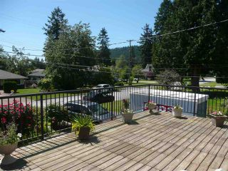 Photo 2: 942 CAITHNESS Crescent in Port Moody: Glenayre House for sale : MLS®# R2178339