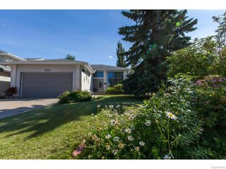 Photo 2: 435 Perehudoff Crescent in Saskatoon: Erindale Single Family Dwelling for sale (Saskatoon Area 01)  : MLS®# 614460