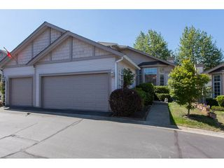 "Main Photo: 117 9012 WALNUT GROVE Drive in Langley: Walnut Grove Townhouse for sale in ""Queen Anne Green"" : MLS®# R2184552"