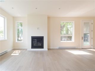 Photo 6: 490 South Joffre St in VICTORIA: Es Saxe Point Half Duplex for sale (Esquimalt)  : MLS®# 766804