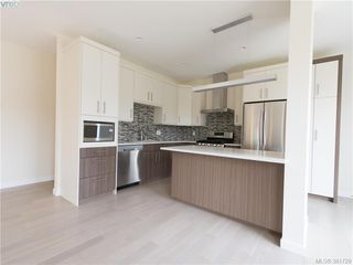 Photo 3: 490 South Joffre Street in VICTORIA: Es Saxe Point Strata Duplex Unit for sale (Esquimalt)  : MLS®# 381729