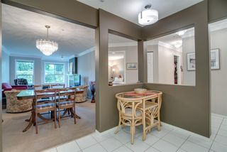 """Photo 3: 109 33731 MARSHALL Road in Abbotsford: Central Abbotsford Condo for sale in """"Stephanie Place"""" : MLS®# R2199821"""