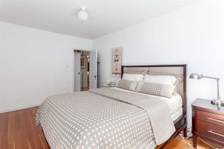 "Photo 15: 202 985 JERVIS Street in Vancouver: West End VW Condo for sale in ""SHERWOOD LODGE"" (Vancouver West)  : MLS®# R2202324"