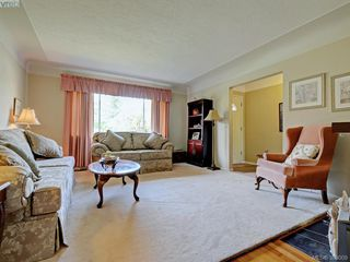 Photo 3: 2837 Admirals Road in VICTORIA: SW Gorge Single Family Detached for sale (Saanich West)  : MLS®# 383009