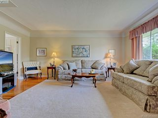 Photo 2: 2837 Admirals Road in VICTORIA: SW Gorge Single Family Detached for sale (Saanich West)  : MLS®# 383009