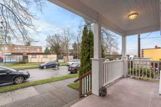 "Photo 2: 480 SEMLIN Drive in Vancouver: Hastings House 1/2 Duplex for sale in ""HASTINGS-SUNRISE"" (Vancouver East)  : MLS®# R2221694"