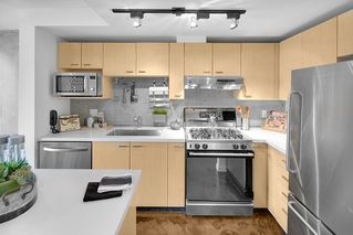 "Photo 7: PH 704 428 W 8TH Avenue in Vancouver: Mount Pleasant VW Condo for sale in ""XL LOFTS"" (Vancouver West)  : MLS®# R2265989"