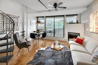 "Photo 2: PH 704 428 W 8TH Avenue in Vancouver: Mount Pleasant VW Condo for sale in ""XL LOFTS"" (Vancouver West)  : MLS®# R2265989"