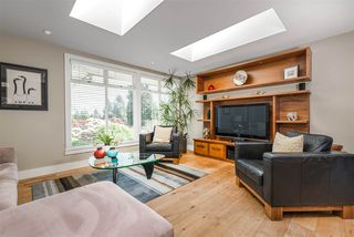Photo 5: 1441 BRIARLYNN Crescent in North Vancouver: Westlynn House for sale : MLS®# R2268125