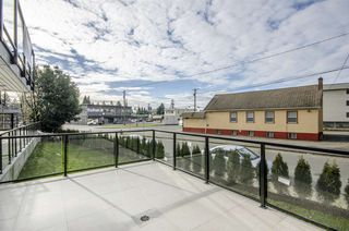 "Photo 8: 101 33412 TESSARO Crescent in Abbotsford: Central Abbotsford Condo for sale in ""Tessaro Villa"" : MLS®# R2334643"