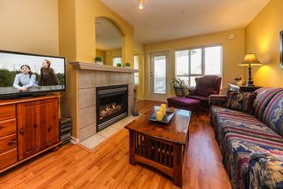 """Photo 3: 318 22022 49 Avenue in Langley: Murrayville Condo for sale in """"MURRAY GREEN"""" : MLS®# R2336851"""