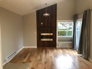 "Photo 3: 6169 W GREENSIDE Drive in Surrey: Cloverdale BC Townhouse for sale in ""Greenside"" (Cloverdale)  : MLS®# R2351893"