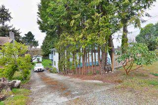 Photo 2: 4753 WHITAKER Road in Sechelt: Sechelt District House for sale (Sunshine Coast)  : MLS®# R2358197