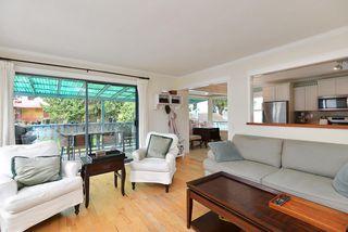 Photo 6: 4753 WHITAKER Road in Sechelt: Sechelt District House for sale (Sunshine Coast)  : MLS®# R2358197