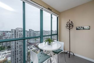 "Photo 10: 3104 939 HOMER Street in Vancouver: Yaletown Condo for sale in ""The Pinnacle"" (Vancouver West)  : MLS®# R2363870"