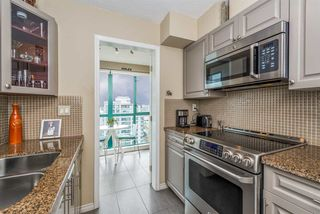 "Photo 6: 3104 939 HOMER Street in Vancouver: Yaletown Condo for sale in ""The Pinnacle"" (Vancouver West)  : MLS®# R2363870"