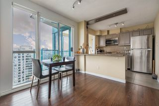 "Photo 4: 3104 939 HOMER Street in Vancouver: Yaletown Condo for sale in ""The Pinnacle"" (Vancouver West)  : MLS®# R2363870"