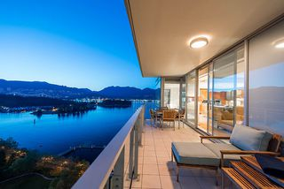 "Photo 13: 2001 1169 W CORDOVA Street in Vancouver: Coal Harbour Condo for sale in ""HARBOUR GREEN"" (Vancouver West)  : MLS®# R2368194"