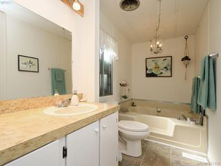 Photo 13: 9 1498 Admirals Rd in VICTORIA: VR Glentana Manufactured Home for sale (View Royal)  : MLS®# 815323