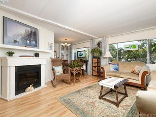 Photo 3: 9 1498 Admirals Road in VICTORIA: VR Glentana Manu Double-Wide for sale (View Royal)  : MLS®# 411376