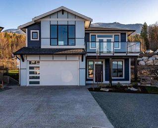 "Photo 1: 51110 ZANDER Place in Chilliwack: Eastern Hillsides House for sale in ""ASPEN WOODS"" : MLS®# R2419946"