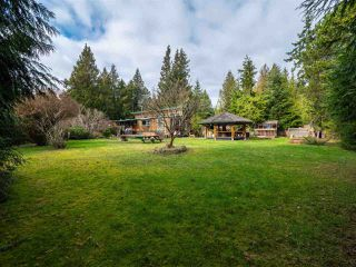 "Main Photo: 7975 COOPER Road in Halfmoon Bay: Halfmn Bay Secret Cv Redroofs House for sale in ""Welcome Woods"" (Sunshine Coast)  : MLS®# R2435508"