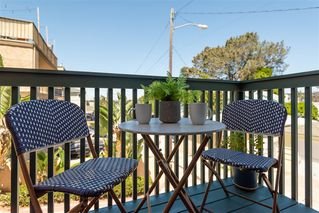 Photo 10: OCEAN BEACH Townhome for sale : 2 bedrooms : 2117 Mendocino Blvd in San Diego