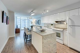 Photo 4: 712 15 Singer Court in Toronto: Bayview Village Condo for sale (Toronto C15)  : MLS®# C4800880