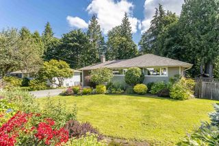 """Photo 2: 1553 MARINE Crescent in Coquitlam: Harbour Place House for sale in """"HARBOUR PLACE"""" : MLS®# R2476651"""