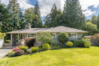 """Photo 1: 1553 MARINE Crescent in Coquitlam: Harbour Place House for sale in """"HARBOUR PLACE"""" : MLS®# R2476651"""