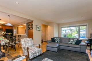 """Photo 9: 1553 MARINE Crescent in Coquitlam: Harbour Place House for sale in """"HARBOUR PLACE"""" : MLS®# R2476651"""