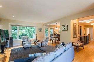"""Photo 8: 1553 MARINE Crescent in Coquitlam: Harbour Place House for sale in """"HARBOUR PLACE"""" : MLS®# R2476651"""