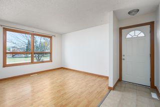 Photo 3: 23 Whitmire Road NE in Calgary: Whitehorn Detached for sale : MLS®# A1024740