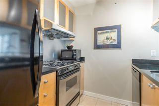 "Photo 7: 901 1003 BURNABY Street in Vancouver: West End VW Condo for sale in ""Milano"" (Vancouver West)  : MLS®# R2498436"