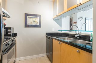 "Photo 8: 901 1003 BURNABY Street in Vancouver: West End VW Condo for sale in ""Milano"" (Vancouver West)  : MLS®# R2498436"