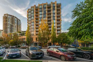 "Main Photo: 304 124 W 1ST Street in North Vancouver: Lower Lonsdale Condo for sale in ""The Q"" : MLS®# R2500397"