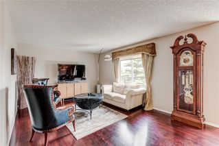 Main Photo: 11948 VALLEY RIDGE Drive NW in Calgary: Valley Ridge Detached for sale : MLS®# A1038896