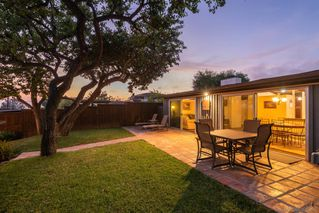 Photo 4: PACIFIC BEACH House for sale : 3 bedrooms : 1223 Agate St in San Diego