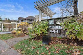 """Photo 2: 83 4401 BLAUSON Boulevard in Abbotsford: Abbotsford East Townhouse for sale in """"The Sage"""" : MLS®# R2518774"""