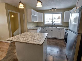 Photo 9: 103 Gainsboro Place: Sherwood Park House for sale : MLS®# E4222002