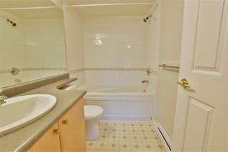 """Photo 8: 402 15150 29A Avenue in Surrey: King George Corridor Condo for sale in """"The Sands II"""" (South Surrey White Rock)  : MLS®# R2523039"""