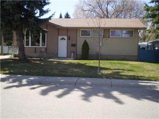 Main Photo: 6 Britnell Crescent in Saskatoon: West College Park Single Family Dwelling for sale (Saskatoon Area 01)  : MLS®# 395420