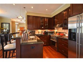 """Photo 6: 2010 W 1ST Avenue in Vancouver: Kitsilano Townhouse for sale in """"THE TOWNHOMES ON MAPLE"""" (Vancouver West)  : MLS®# V892191"""