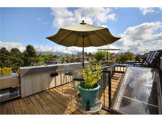 "Photo 10: 2010 W 1ST Avenue in Vancouver: Kitsilano Townhouse for sale in ""THE TOWNHOMES ON MAPLE"" (Vancouver West)  : MLS®# V892191"